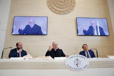 """Cortile di Francesco: """"la Chiesa per una nuova economia"""", interventi Mons. Galatino e Direttore Sole24 ore"""