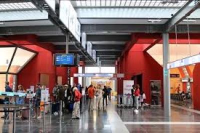 Aeroporto: necessario scatto d'orgoglio; non mollare. Ricerca compagnie continua