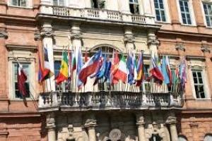 Prova di lingua all'Ateneo per Stranieri per il centravanti del Barcellona Luis Suarz