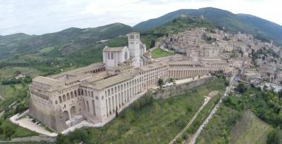 The economy of Francesco: da Assisi ringraziamenti per questa avventura; l'economia del mondo nelle loro mani