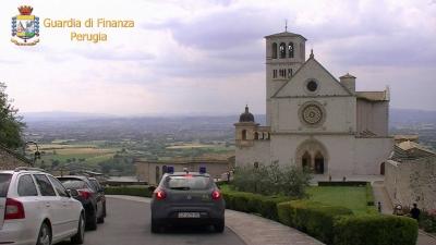 """Nullatenenti usati come scudo: l'operazione """"black pallets"""" Gdf Assisi pone fine a una frode fiscale"""