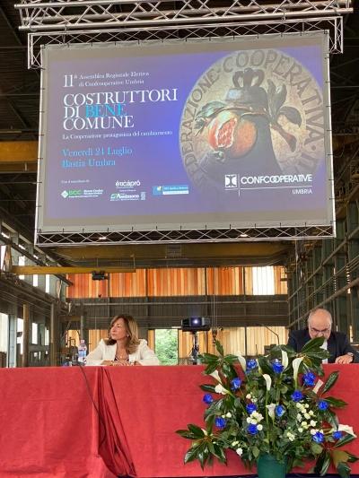 """Umbria: Tesei ad assemblea Confcooperative, """"ripensare l'Umbria e fare squadra per cambiare passo economia"""""""