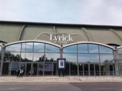 """Al teatro Lyrick di S. M. Angeli domani 22, """"Diana e Lady D"""" con Serena Autieri"""