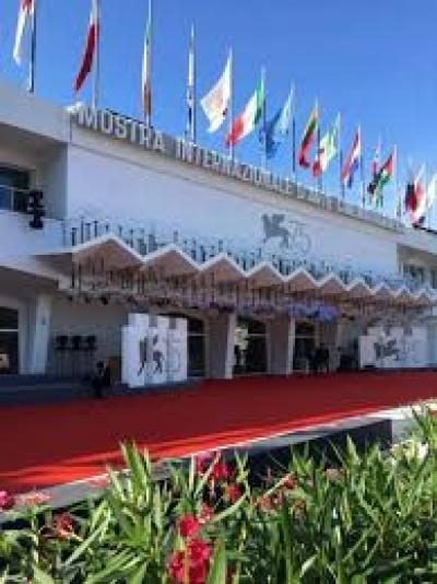 """Mostra del cinema di Venezia: R.Umbria presenta il cortometraggio sul vino """"smell & smile"""""""