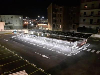 Parcheggio ad Ancona per mobilita' elettrica e car-sharing; noleggio via App